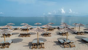 Beach nearby, sun-loungers, beach umbrellas, beach towels
