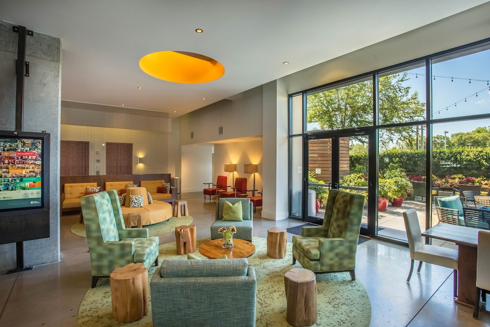 Courtyard View Featured Image Lobby