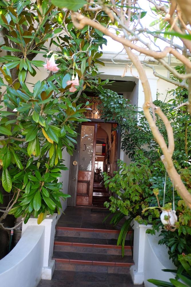 Strange Jambo Guest House Kapstadt Hotelbewertungen 2019 Expedia De Interior Design Ideas Inesswwsoteloinfo
