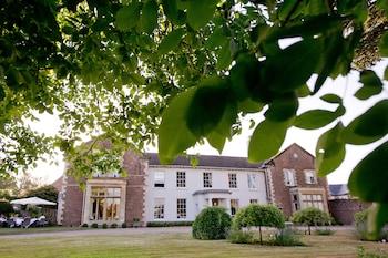 Glewstone Court, Ross-on-Wye, Herefordshire, HR9 6AW.
