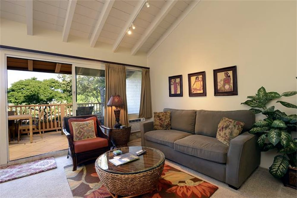 Living Area, Maui Kamaole by CRH