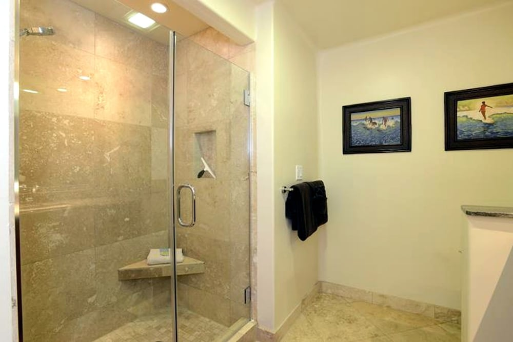 Bathroom Shower, Maui Kamaole by CRH