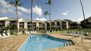 2 outdoor pools, sun loungers
