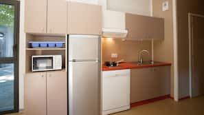 Micro-ondes, fourneau de cuisine, cafetière/bouilloire
