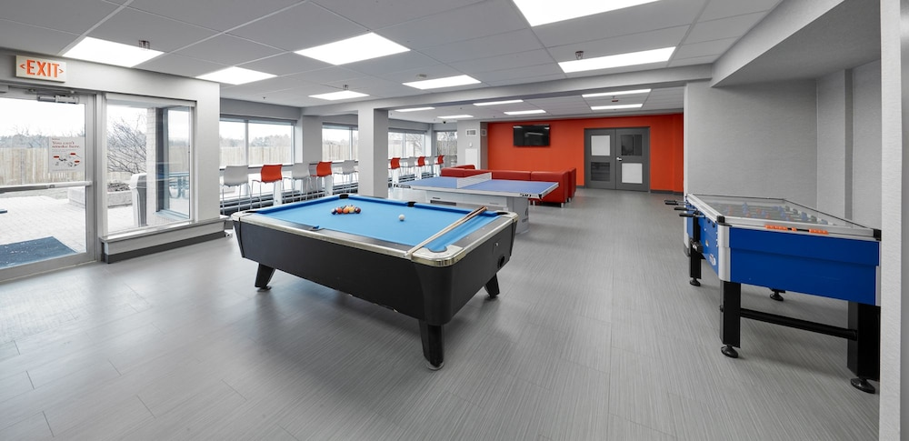 Game Room, Residence & Conference Centre - King City