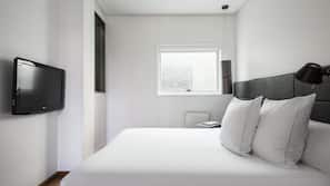 Premium bedding, minibar, in-room safe, soundproofing