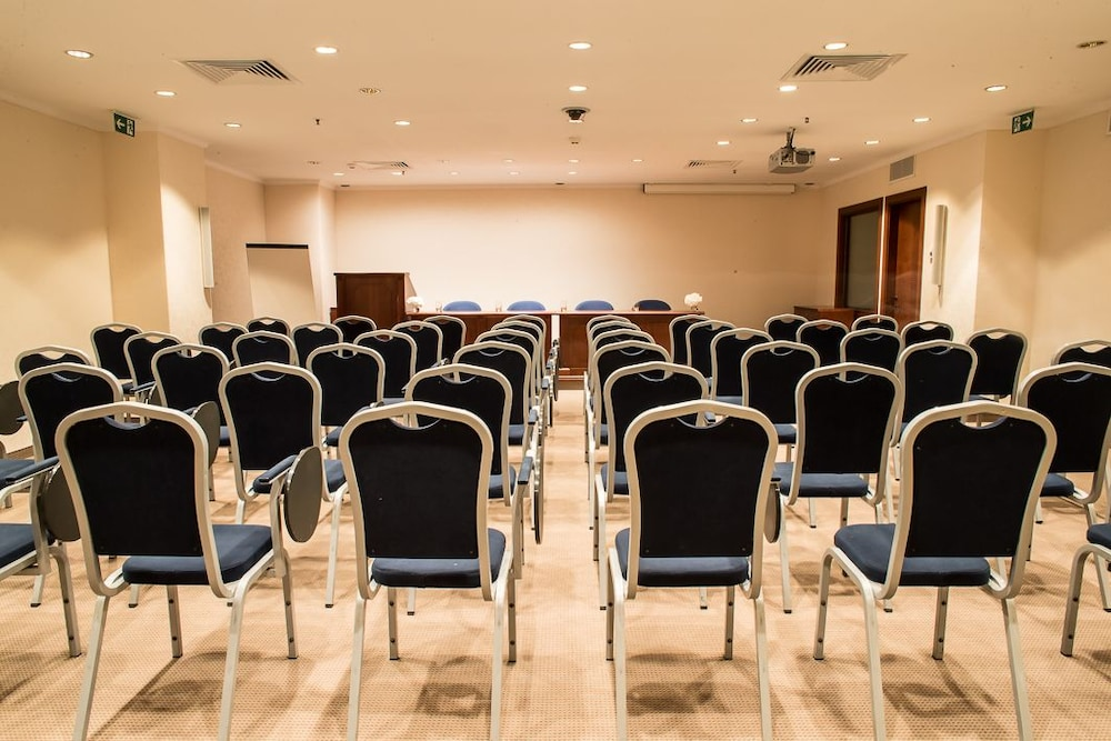 Meeting Facility, Lux Garden Hotel