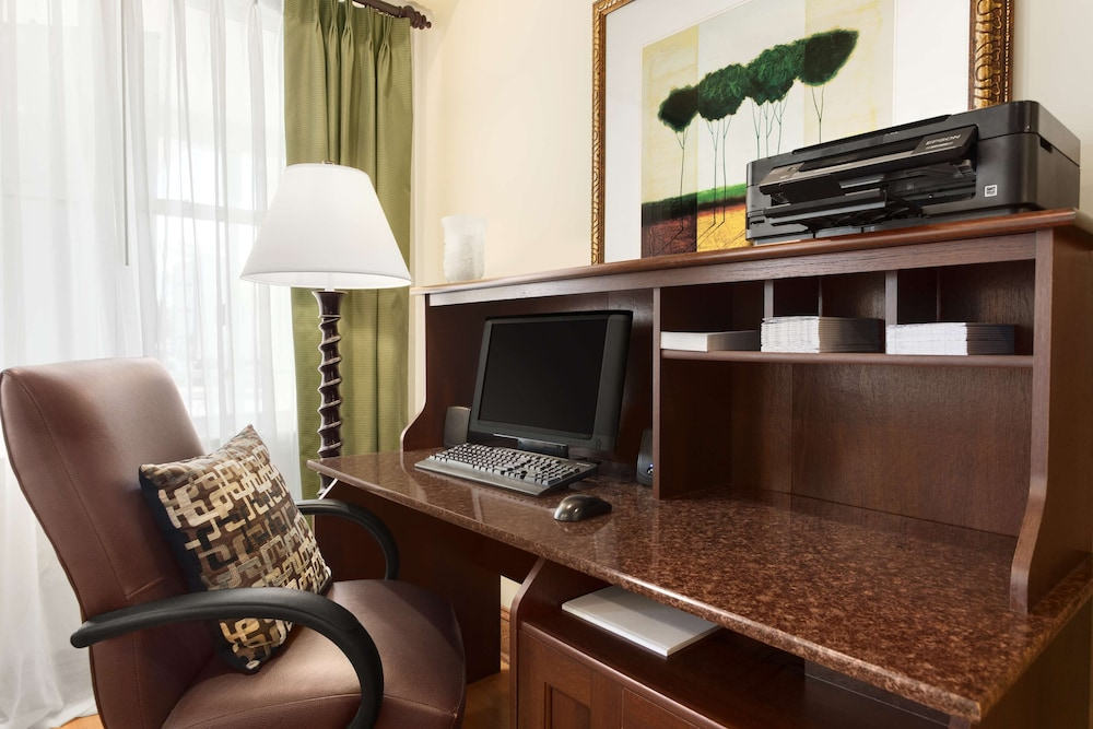 Business Center, Country Inn & Suites by Radisson, Carlisle, PA