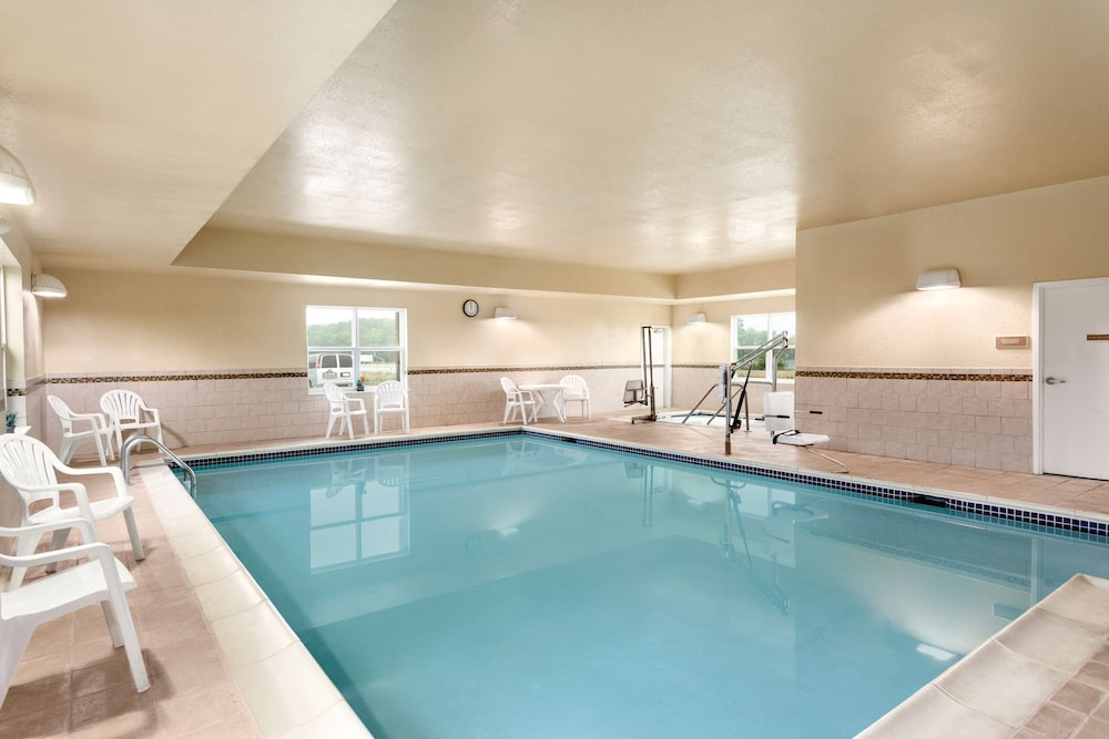 Indoor Pool, Country Inn & Suites by Radisson, Carlisle, PA