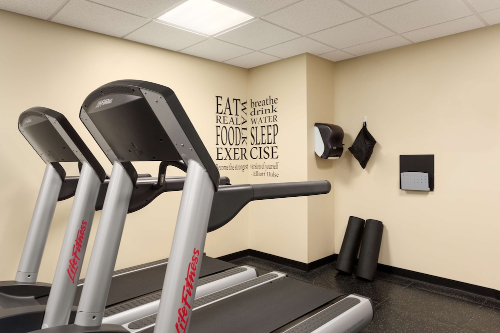 Fitness Facility, Country Inn & Suites by Radisson, Carlisle, PA
