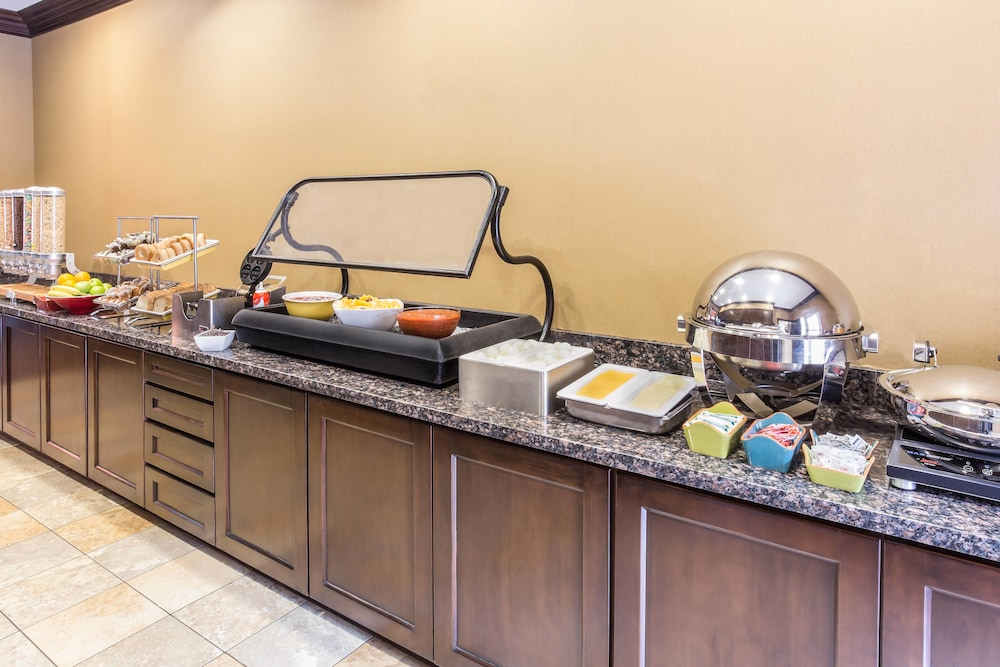Breakfast buffet, TownePlace Suites by Marriott Tucson Airport