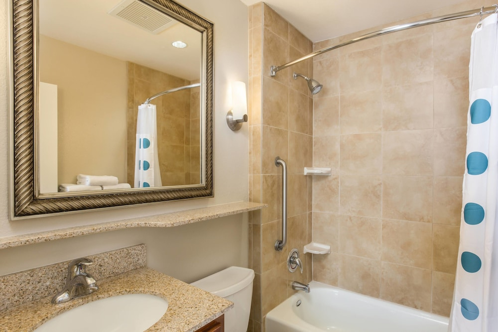 Bathroom, TownePlace Suites by Marriott Tucson Airport