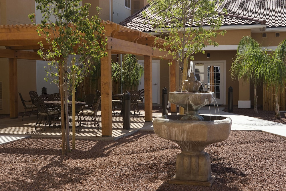 Fountain, TownePlace Suites by Marriott Tucson Airport