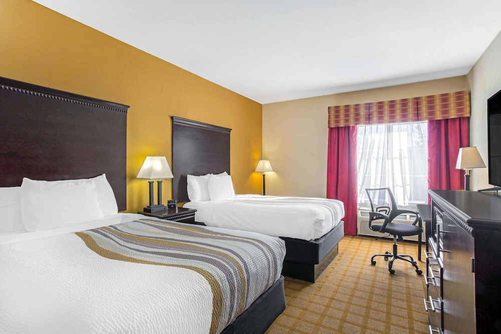 Featured Image, La Quinta Inn & Suites by Wyndham Mobile Satsuma / Saraland