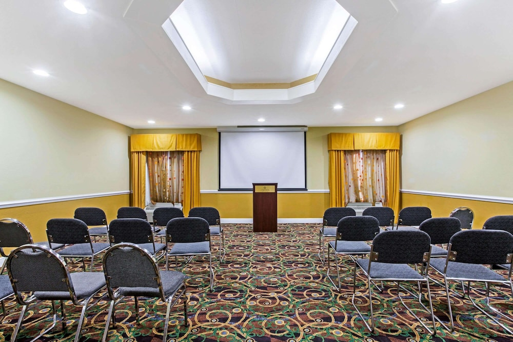 Meeting Facility, La Quinta Inn & Suites by Wyndham Mobile Satsuma / Saraland