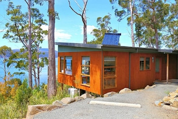 Stewarts Bay Lodge Tasmania Australia