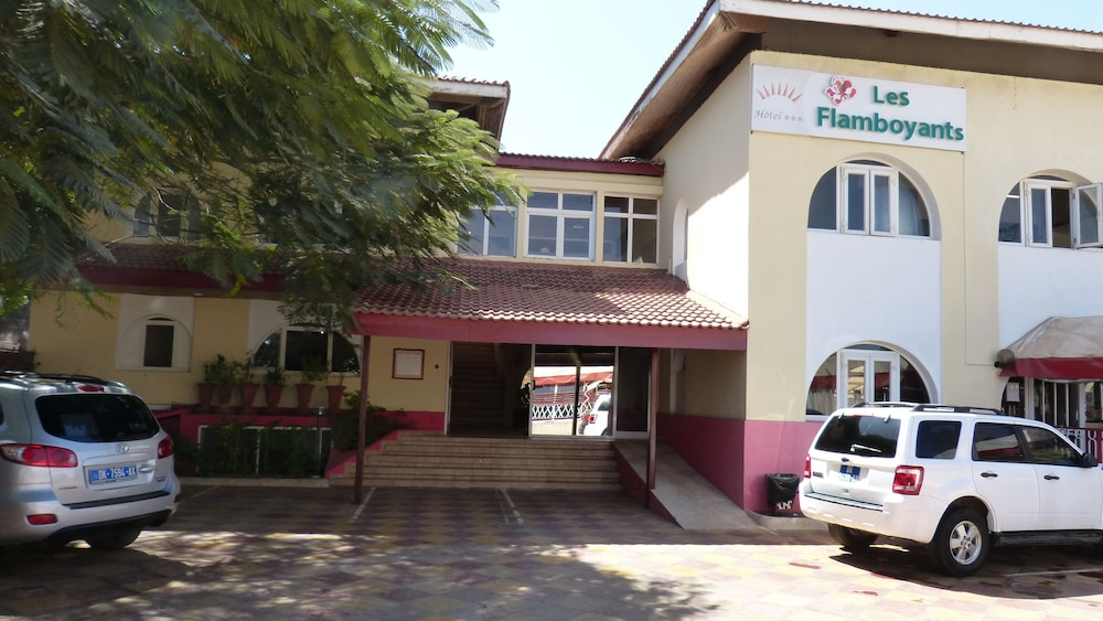 Front of Property, Hotel Flamboyants
