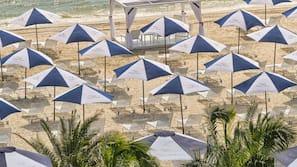 Private beach, beach bar, motor boating