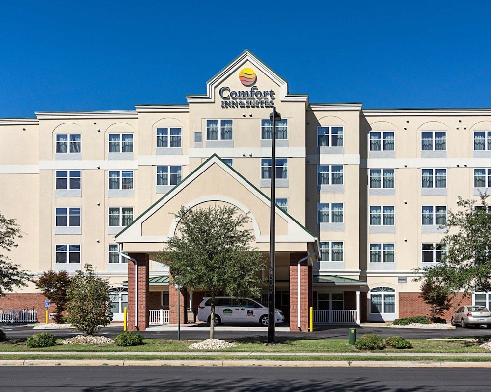 Comfort Inn Suites Virginia Beach Norfolk Airport In Hotel Rates Reviews On Orbitz