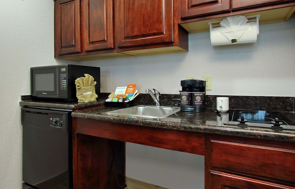 Private Kitchen, Homewood Suites by Hilton Ft. Lauderdale Airport-Cruise Port