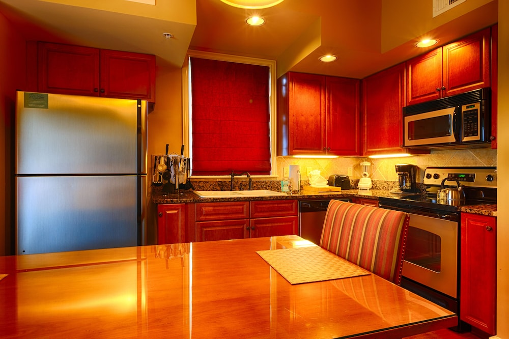 Private Kitchen, RiverStone Resort & Spa