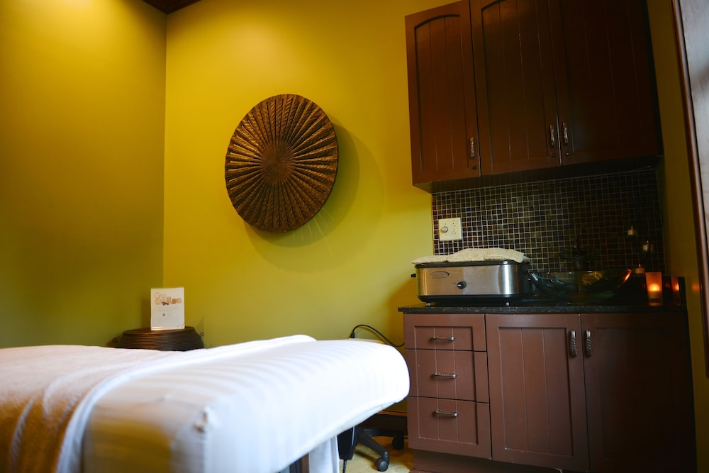 Treatment Room, RiverStone Resort & Spa