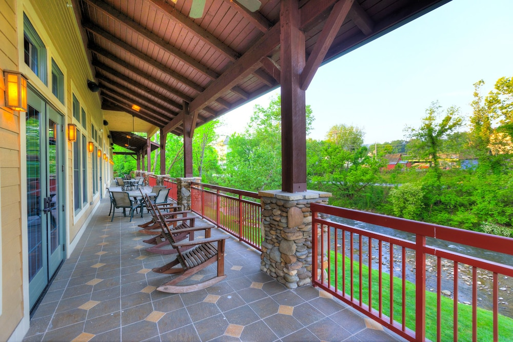 Terrace/Patio, RiverStone Resort & Spa