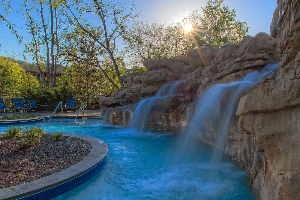Pool Waterfall, RiverStone Resort & Spa