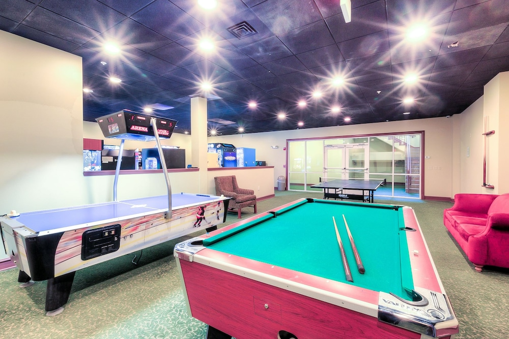 Game Room, RiverStone Resort & Spa