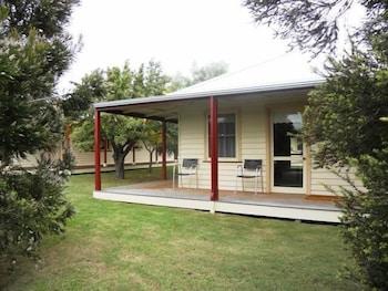 98 Parker Street, Dunkeld, 3294, Australia.