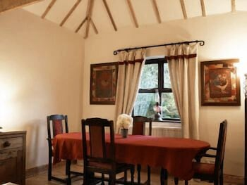Dining, Montcoffer - Guest House