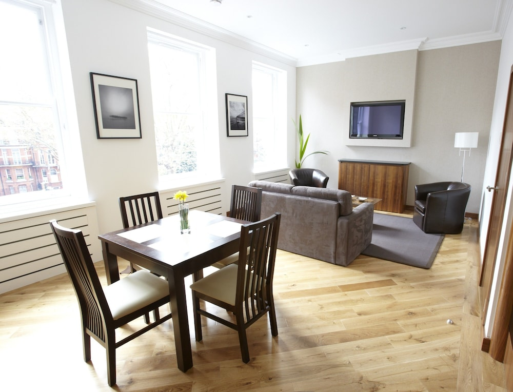 In-Room Dining, Presidential Apartments - Kensington
