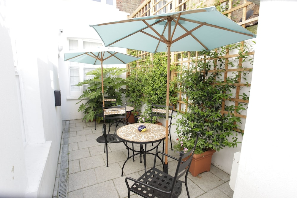 Terrace/Patio, Presidential Apartments - Kensington