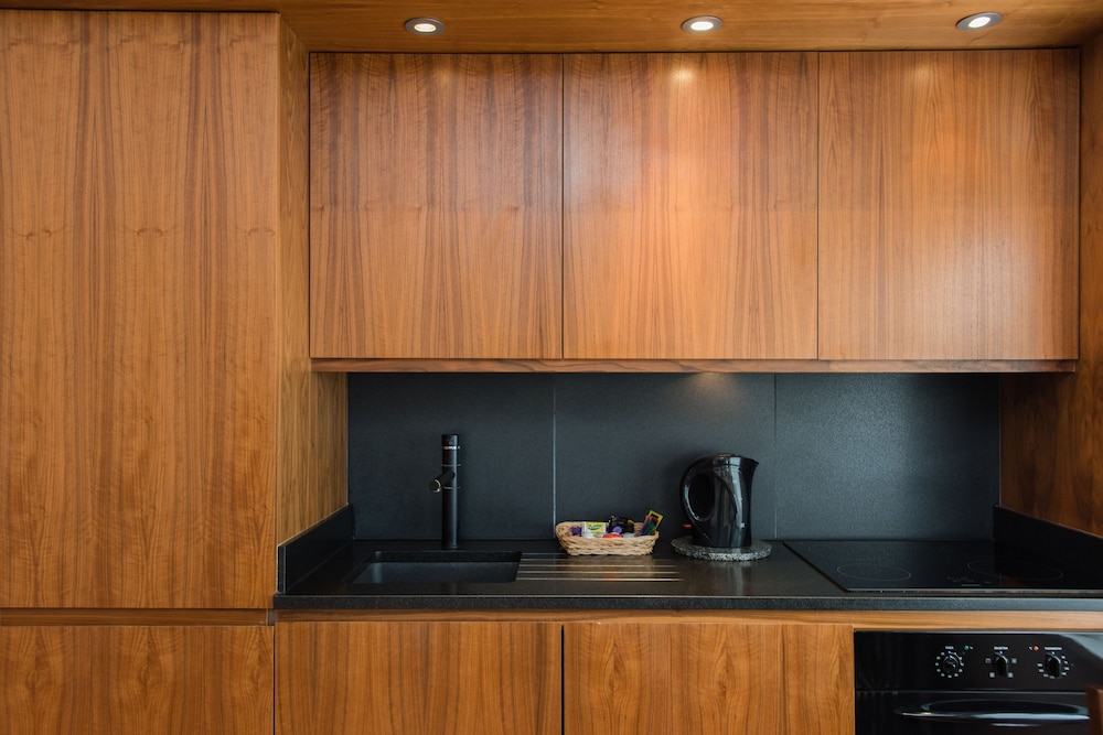Private Kitchenette, Presidential Apartments - Kensington