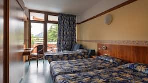 Zimmersafe, Schreibtisch, kostenpflichtige Babybetten, Bettwäsche