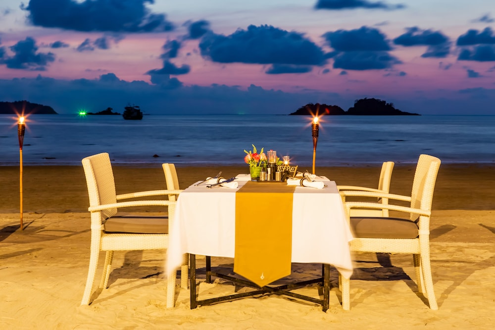 Couples Dining, The Dewa Koh Chang