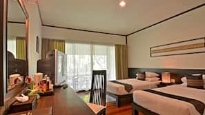 Minibar, Zimmersafe, Schreibtisch, kostenlose Babybetten