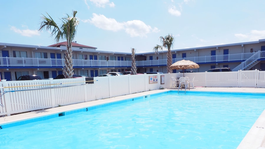 Seashire Inn & Suites