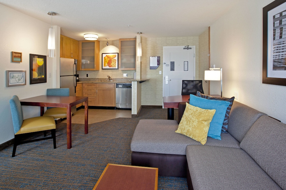 Room, Residence Inn Portland Airport at Cascade Station