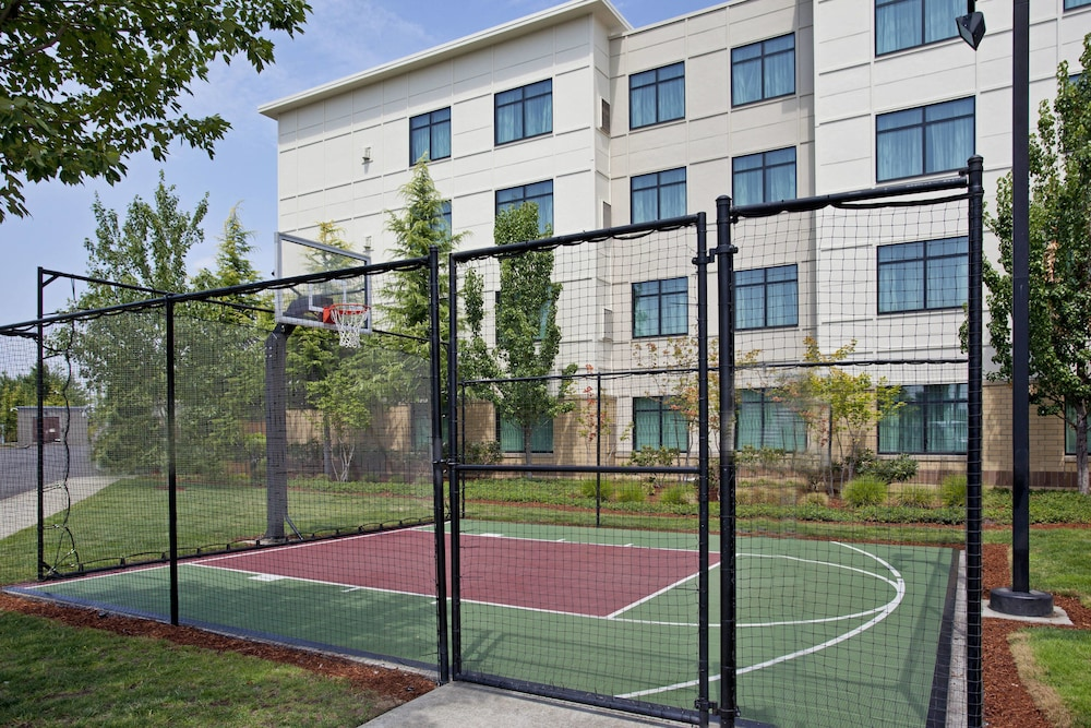 Basketball Court, Residence Inn Portland Airport at Cascade Station