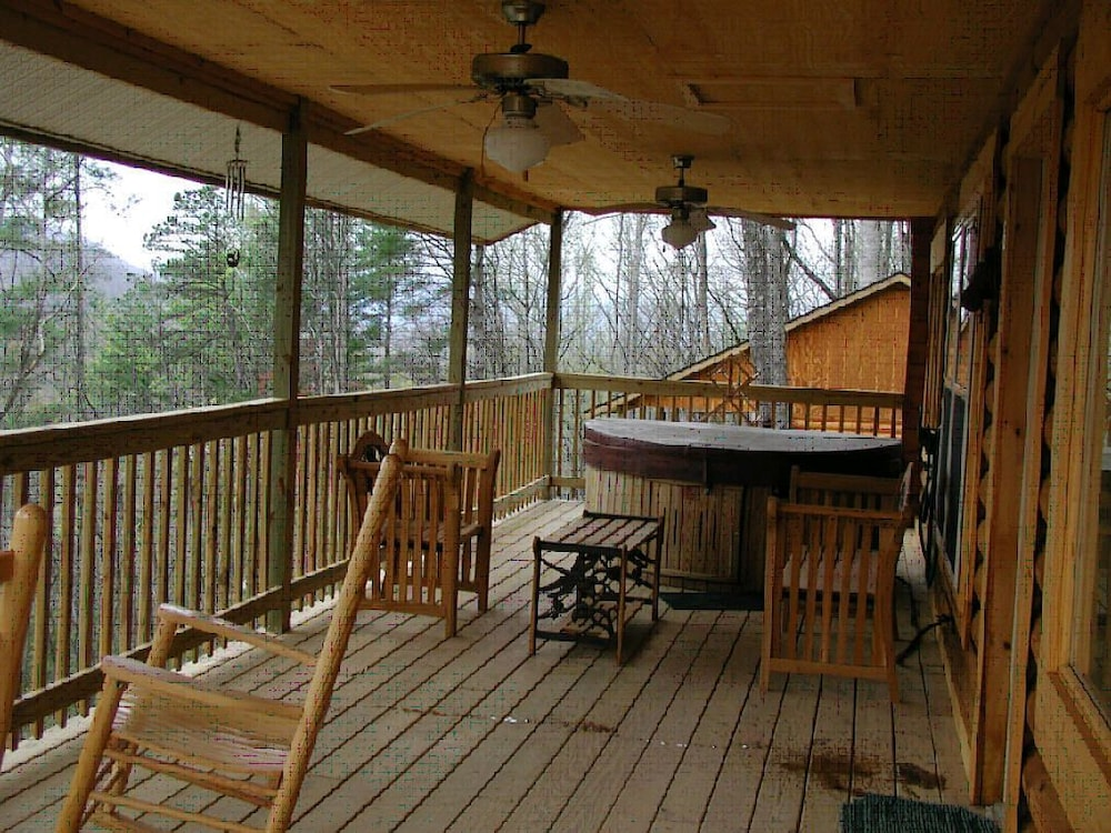 Nantahala cabins deals reviews bryson city usa wotif for The cabins at nantahala