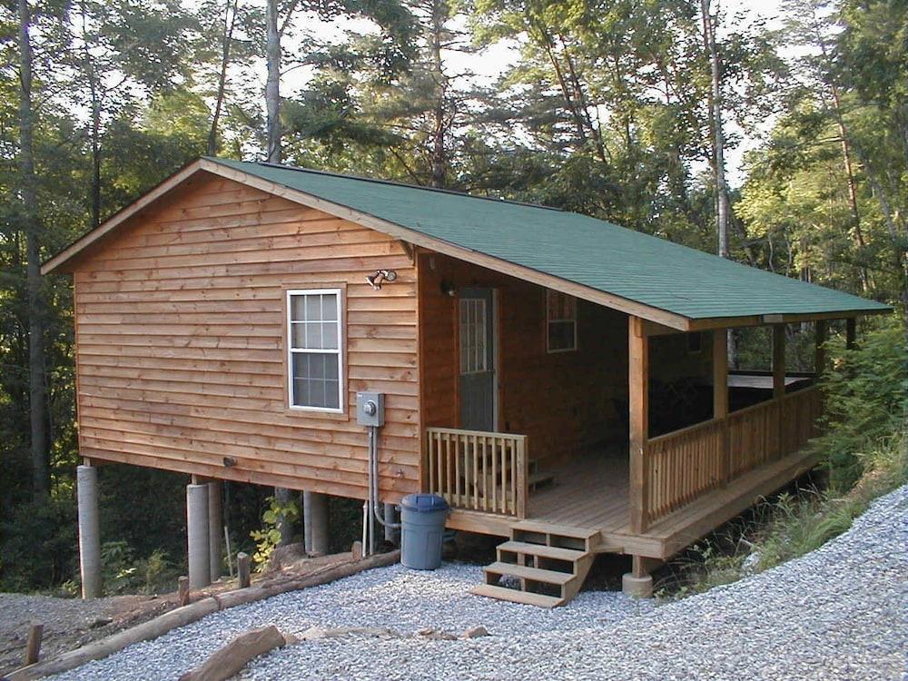 Nantahala cabins in cherokee hotel rates reviews on orbitz for The cabins at nantahala
