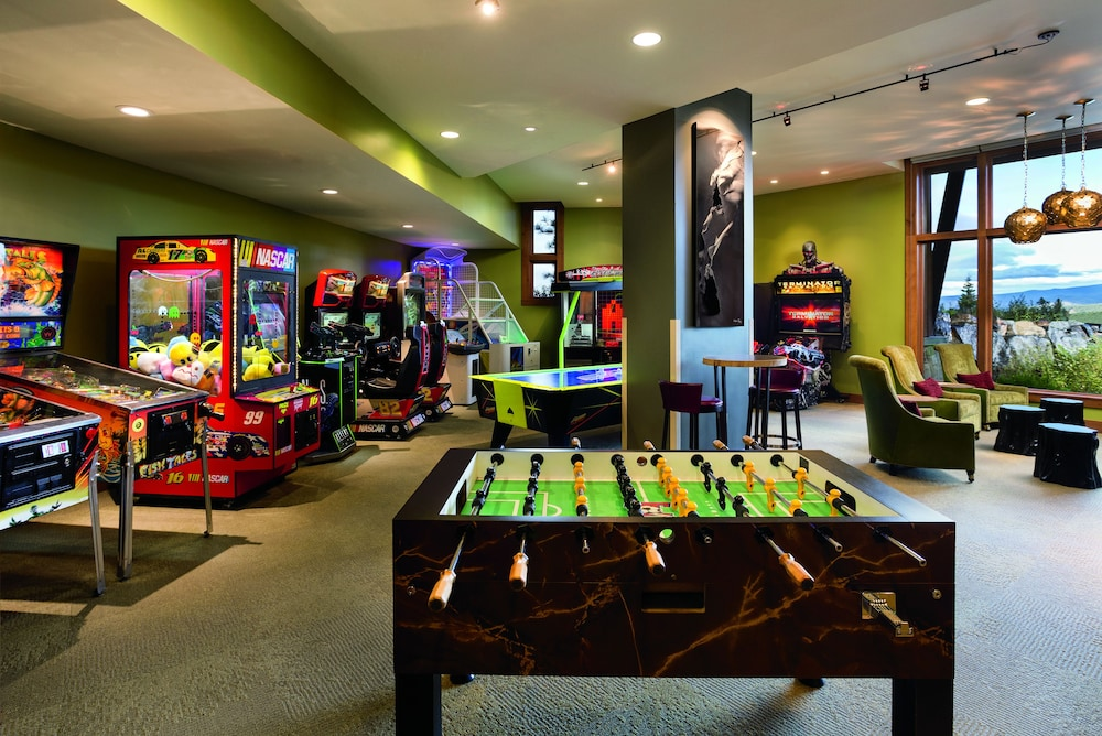 Game Room, The Ritz-Carlton, Lake Tahoe