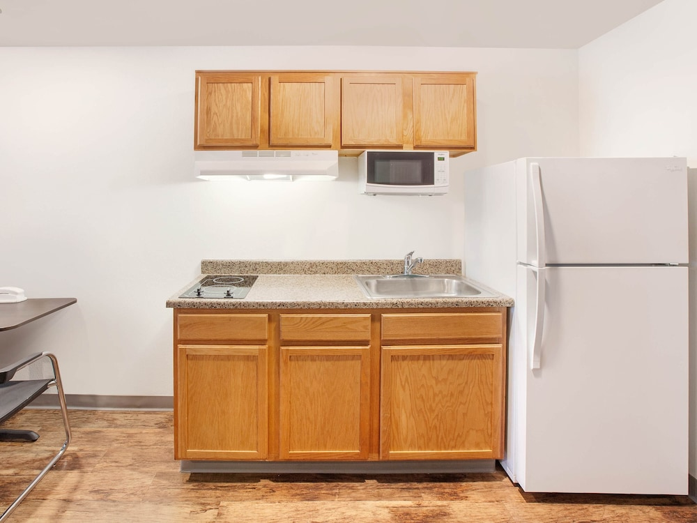 Private Kitchen, WoodSpring Suites Phoenix I-17 North