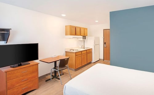 Featured Image, WoodSpring Suites Phoenix I-17 North