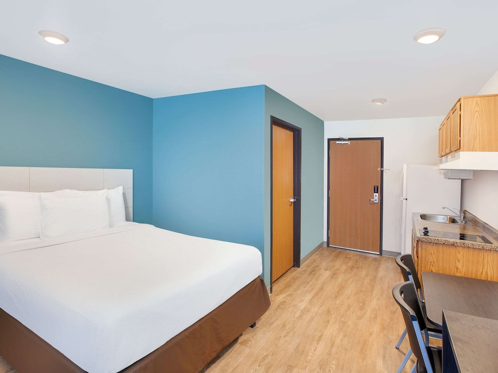 Room, WoodSpring Suites Phoenix I-17 North