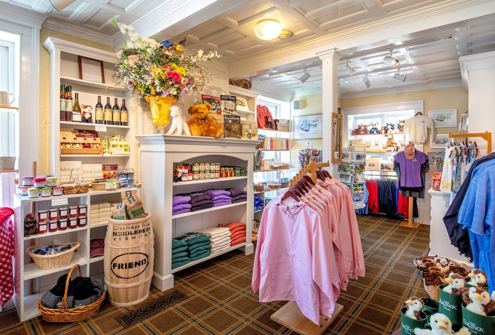 Gift Shop, The Equinox Golf Resort & Spa