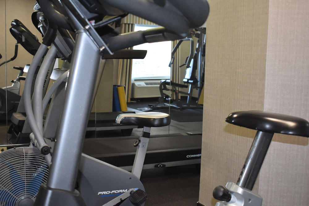 Fitness Facility, Best Western Plus Brunswick Inn & Suites