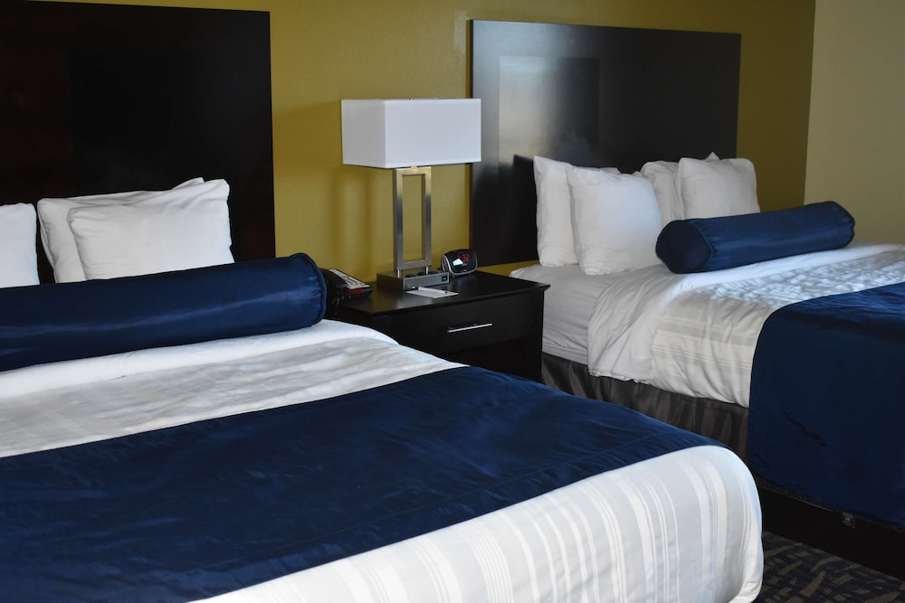 Room, Best Western Plus Brunswick Inn & Suites