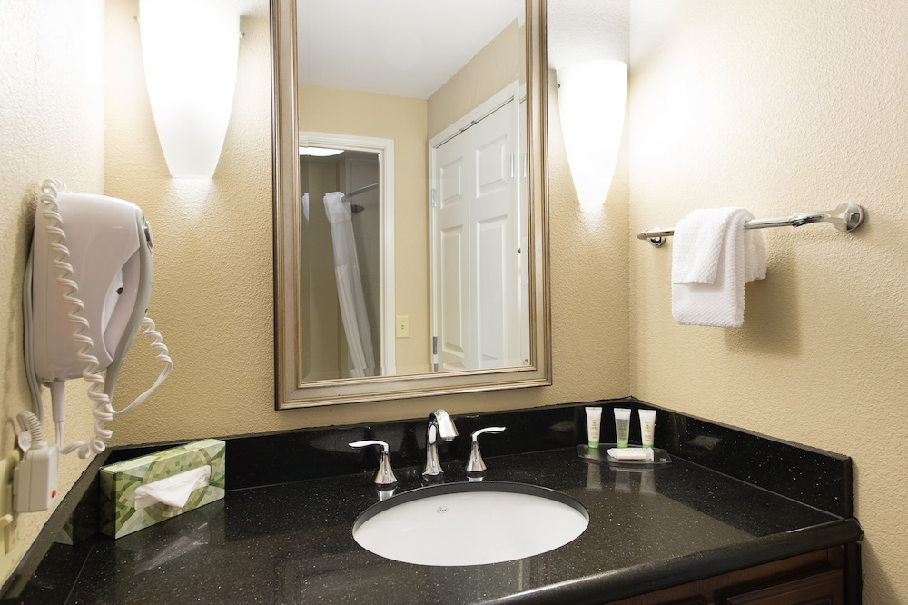 Bathroom, Staybridge Suites North Charleston